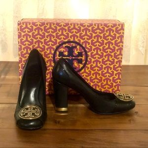 Tory Burch Black and Gold Dewie Pumps 🔥